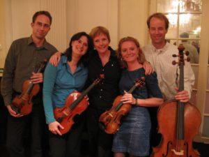 Rozalie Hirs en Egmont Kwartet na de uitvoering van 'Zenit (2010) tijdens de AAA serie, Concertgebouw, 25 september 2010