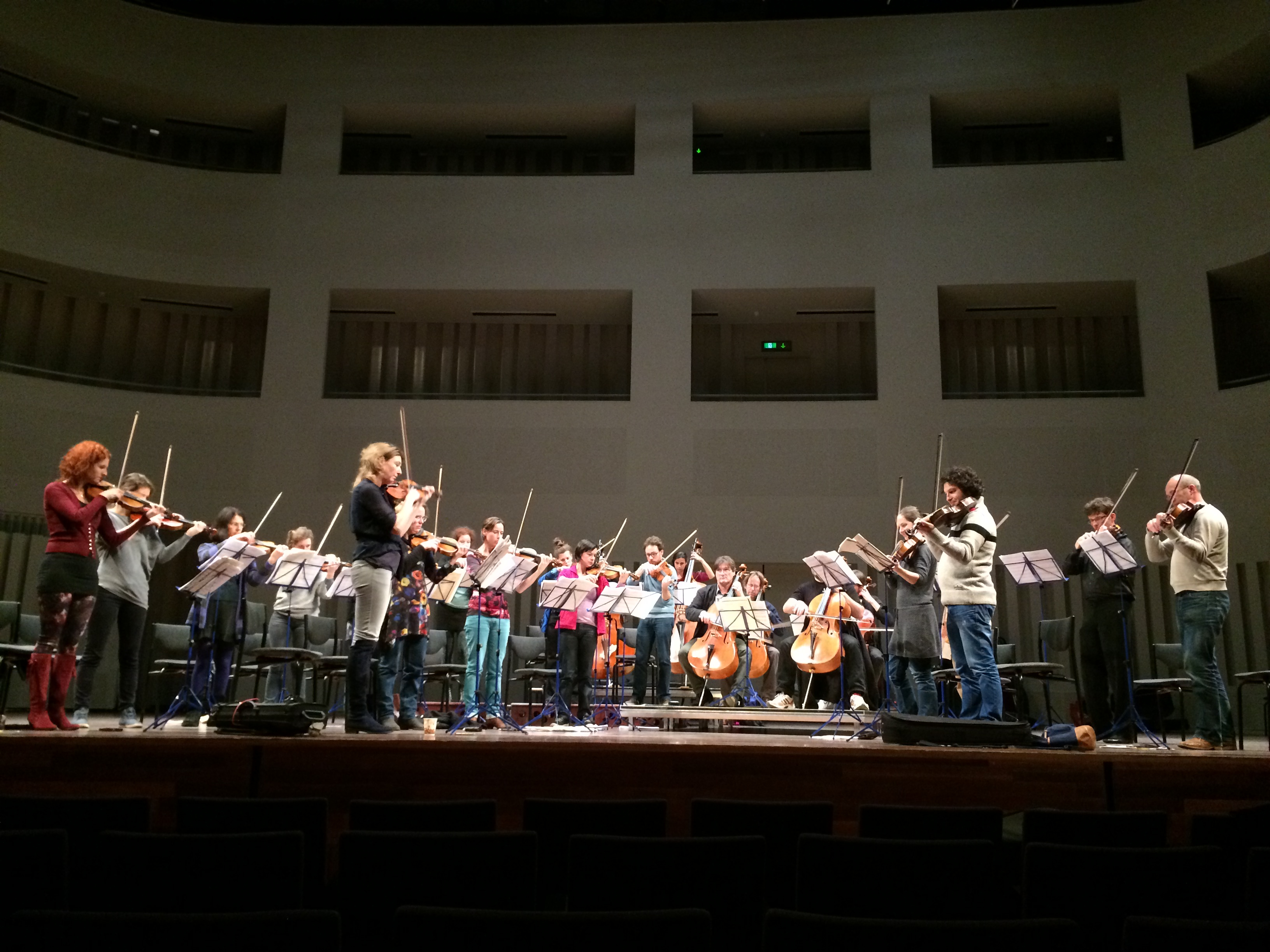 Stage rehearsal of Lichtende Drift by Rozalie Hirs, performed by Amsterdam Sinfonietta, at Concetrtzaal Tilburg, The Netherlands, on 26 November 2014