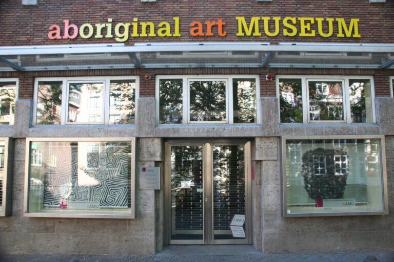 poetry piece iii (2008), aboriginal art museum, utrecht